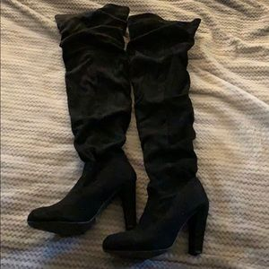 Black High Knee Heeled Boots